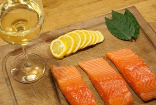 salmon-wine-960x650.jpg